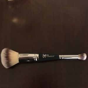 Heavenly Luxe Complexion Perfection Brush #7 by IT Cosmetics #5